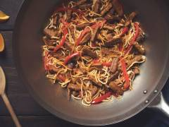 quorn vegetarian steak strips & sesame stir-fry recipe