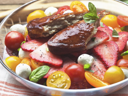 Quorn Pimms Glazed Fillets with Summer Salad