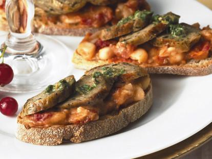 Quorn Sausage Crostini