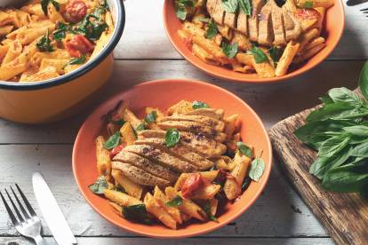 Quorn Fillets with Creamy Spinach & Tomato Penne