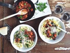 quick quorn spaghetti bolognese vegetarian pasta recipe