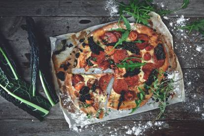 Glutenfri vegetarisk pepperonipizza