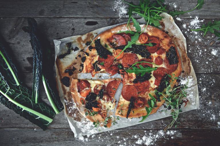 Glutenfri vegetarisk pepperonipizza