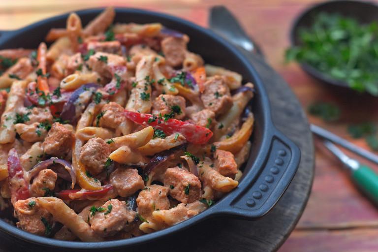 Easy Vegetarian & Meat Free One-Pot Fajita Pasta Recipe   Quorn