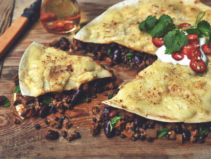 baked enchilada recipe with quorn mince & cheese vegetarian recipe