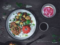 quorn vegetarian peppered steak with roasted potatoes recipe