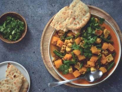 Curry jaune aux dés de Quorn, lentilles, butternut et naan