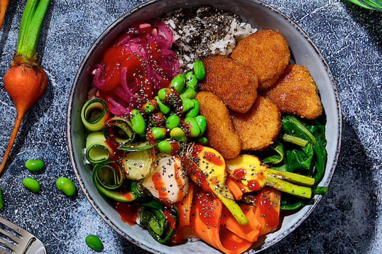 Enkel och God Vegansk Bowl med Veganska Nuggets