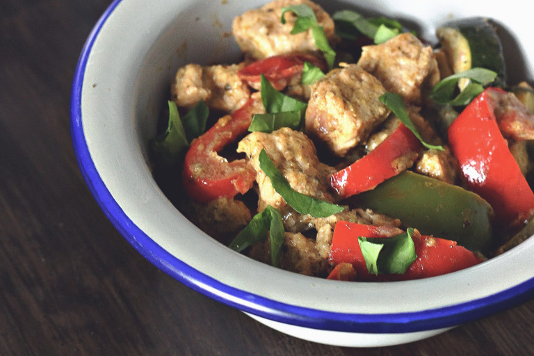 A dish of Quorn Pieces, peppers, and basil in a creamy Mediterranean sauce.