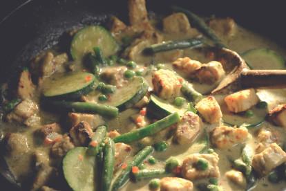 Thaigryta med grön curry och Quorn