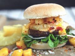 Hamburger hawaiiano al mango