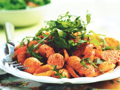 Quorn Meat Free Sausage, Rocket & Roasted Capsicums Pasta Salad