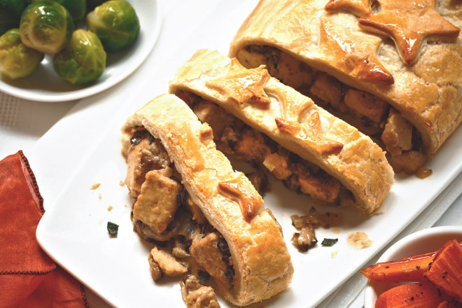 Quorn Meat Free Pieces Festive Roll