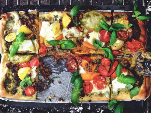 Pizza Caprese med Quorn-farse