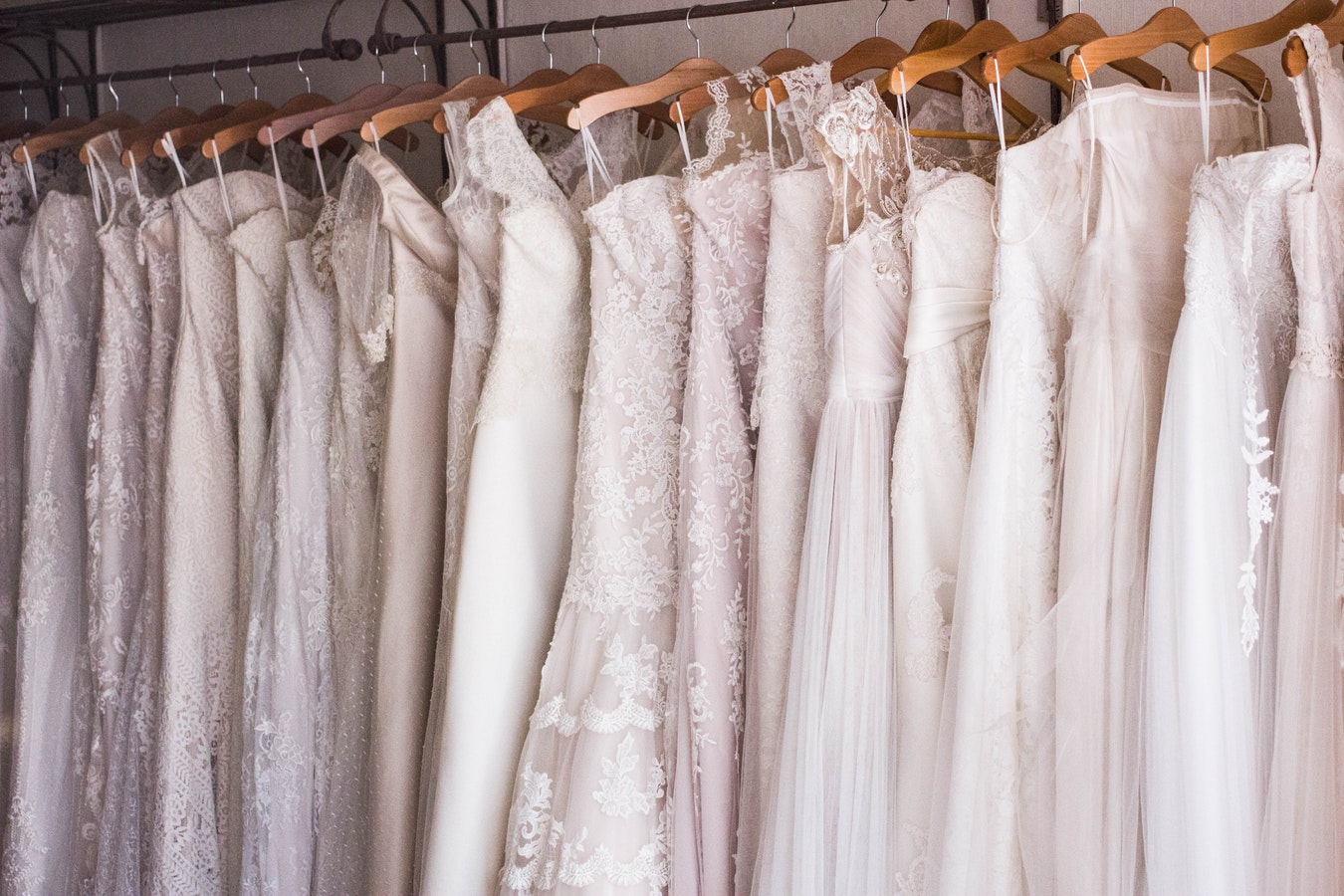 5 Tips To Find The Perfect Wedding Dress On A Budget