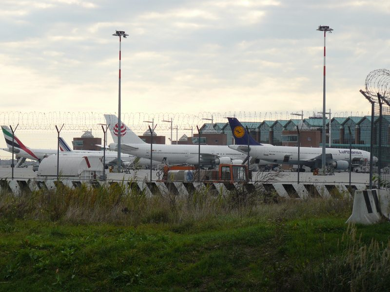 Marco Polo Airport vs. Treviso Airport 0