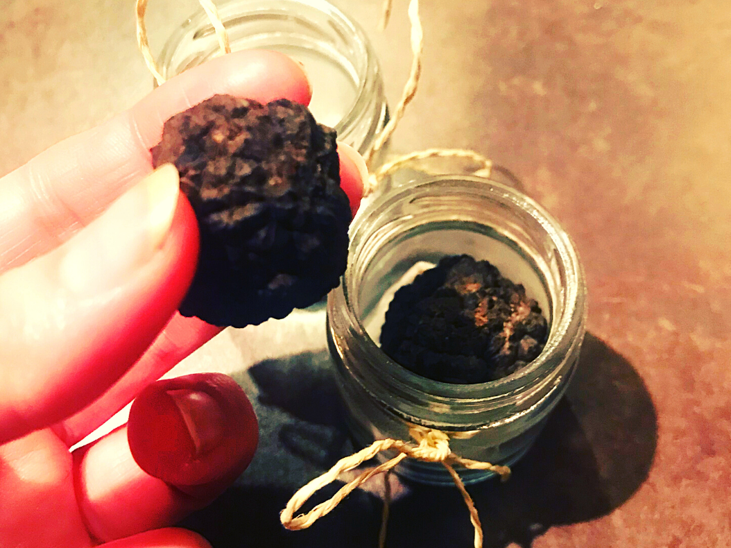 A Mini Guide to Italian Truffles- Hunting, Buying and Cooking 0