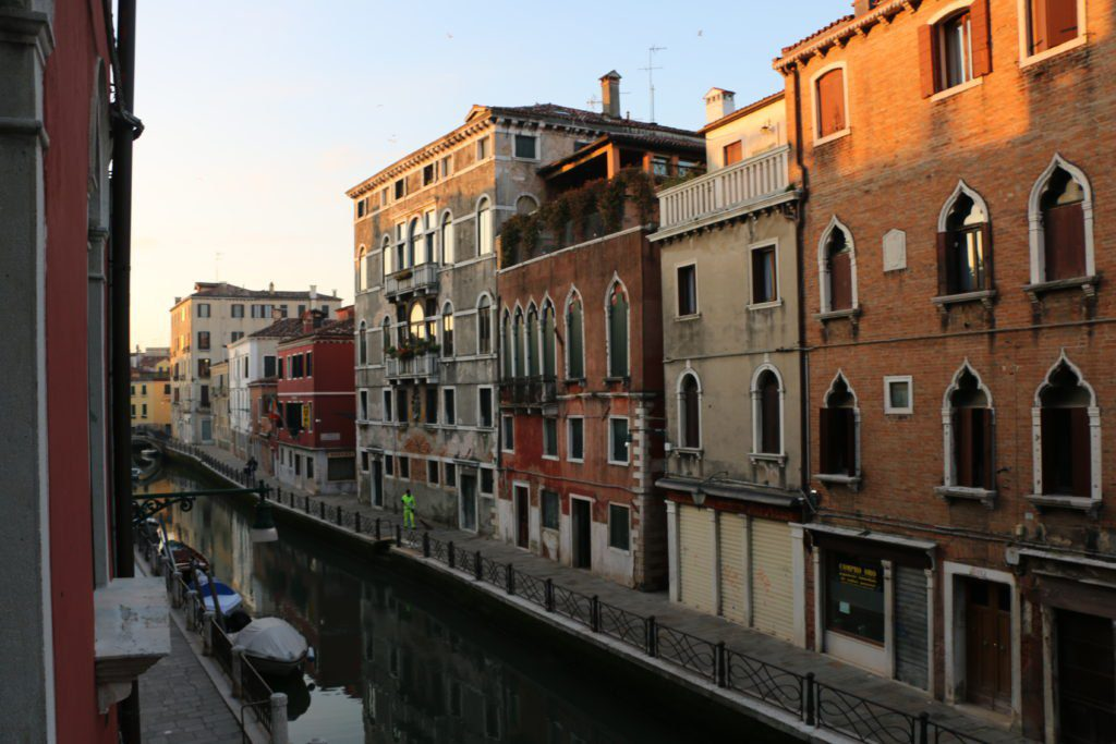Venice Italy Neighborhoods: A Local Guide 4