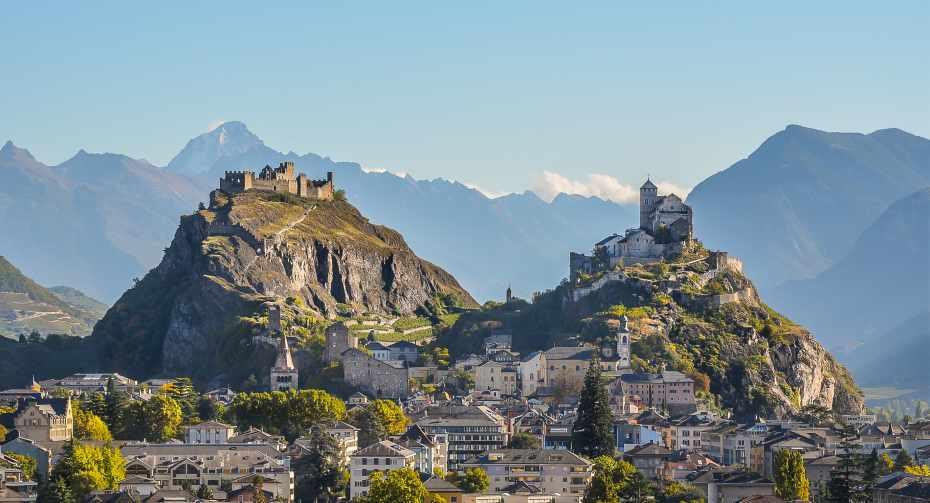 mys-Sion - Wine & Dine Tour-Matterhorn Region AG - Sion_Valere_Tourbillon_ete_HR@lumiere.ch.jpg
