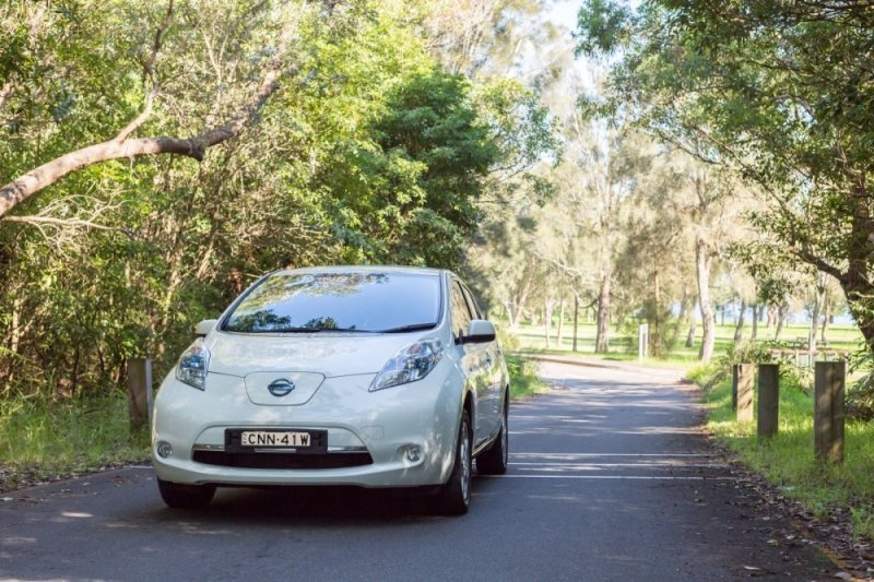 1000x666xnissan-leaf.jpg.pagespeed.ic.16pfmsP0YV