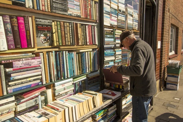 Bookstores in London – Best places for book hunting | What Should I Read Next?