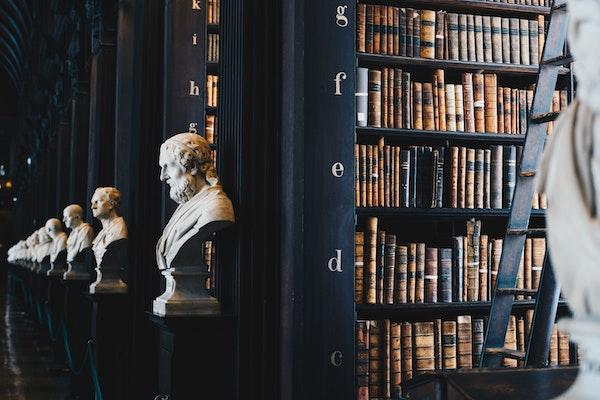 その話、200年前にされていた!?現代人にもおすすめな哲学入門書10選