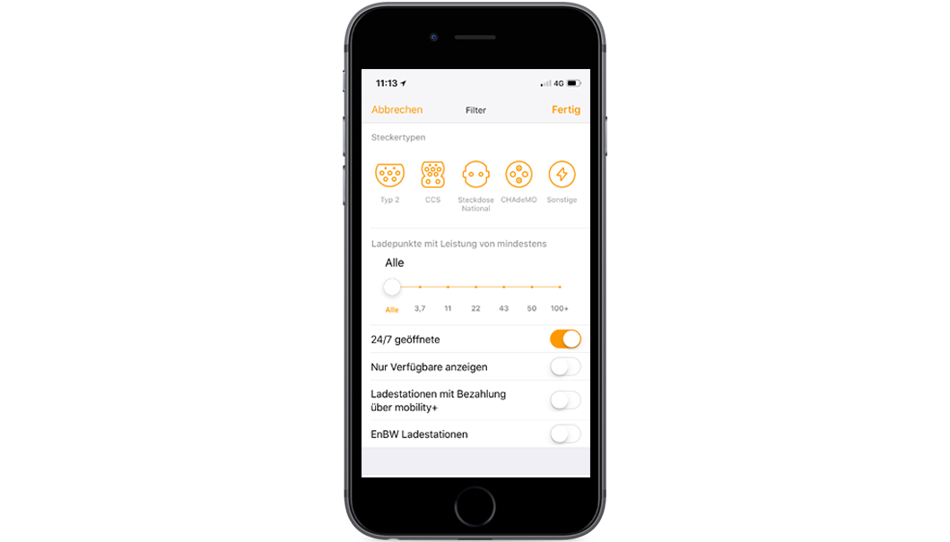 Handy mit Screen der EnBW mobility+ App: Filterfunktion
