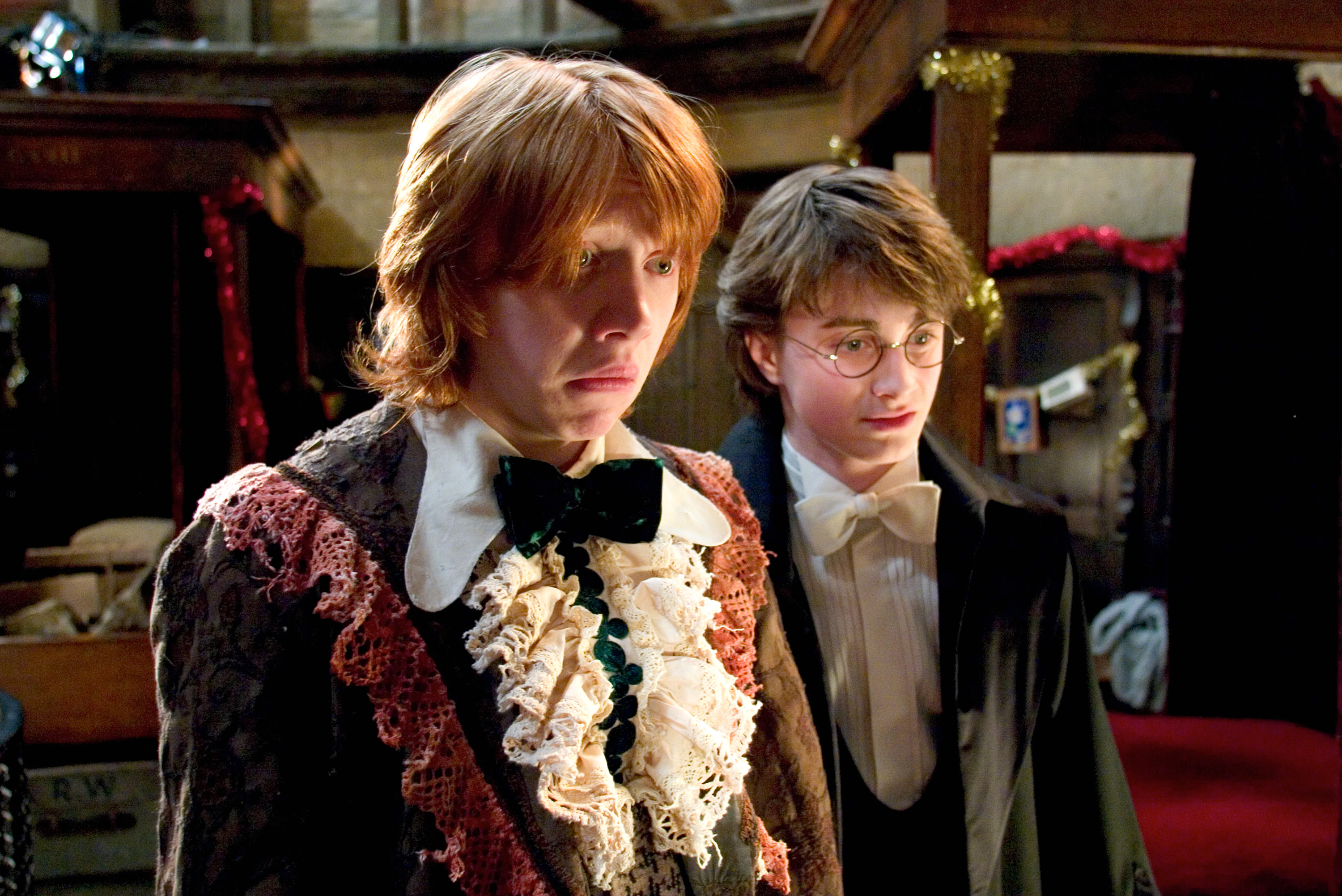 HP-F4-ron-dress-robes-harry