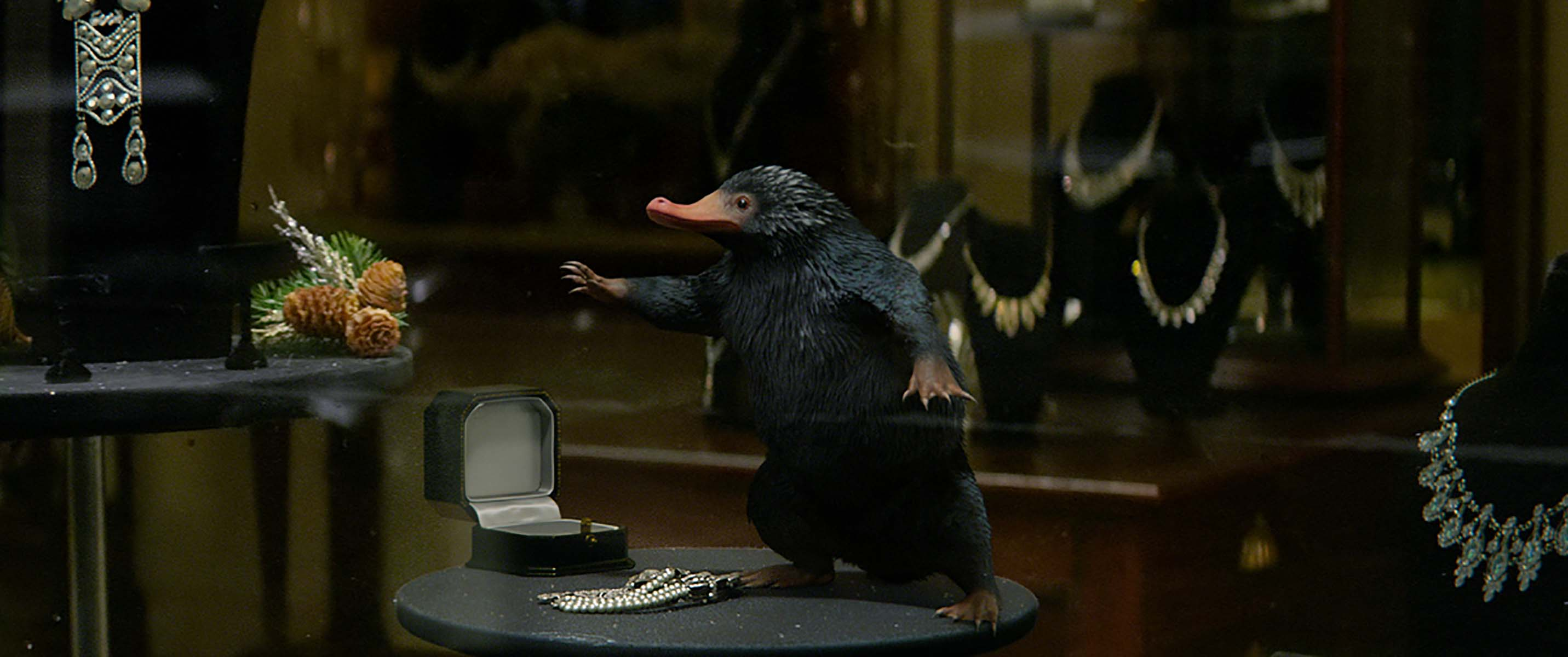 WB FB Niffler close up in jewellery store window