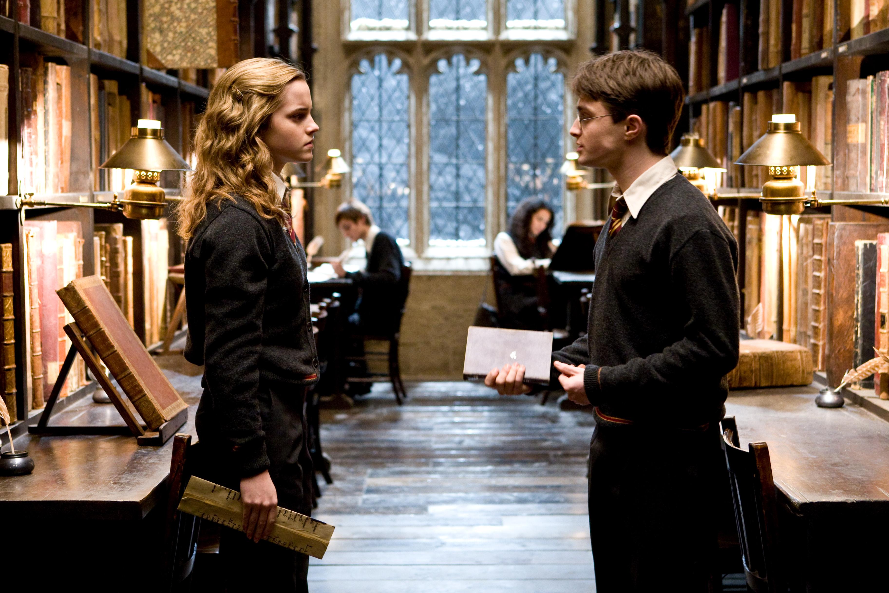 WB-HP-F6-harry-hermione-library-romilda-chosen-one