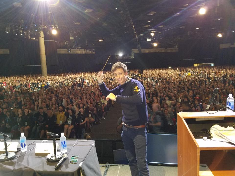SDCC Eddie Redmayne on stage with wand