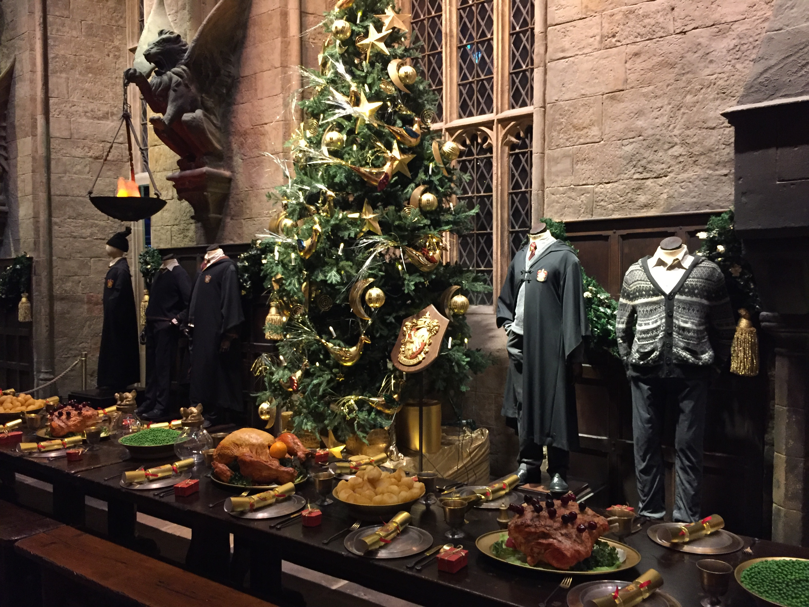 Gryffindor table set for Christmas at Hogwarts in the Snow