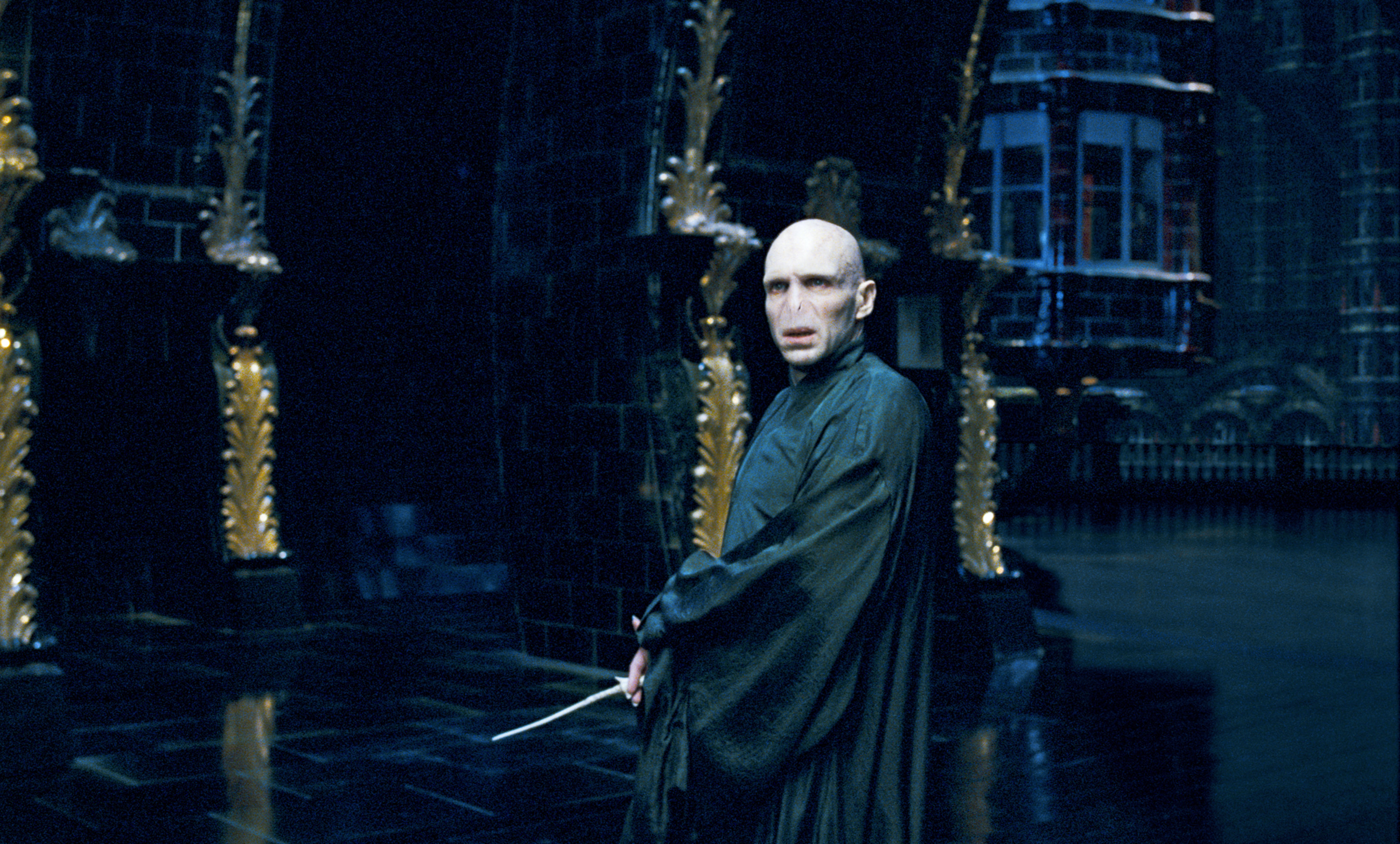 Voldemort WB F5 VoldemortInMinistryOfMagic Still 080615 Land