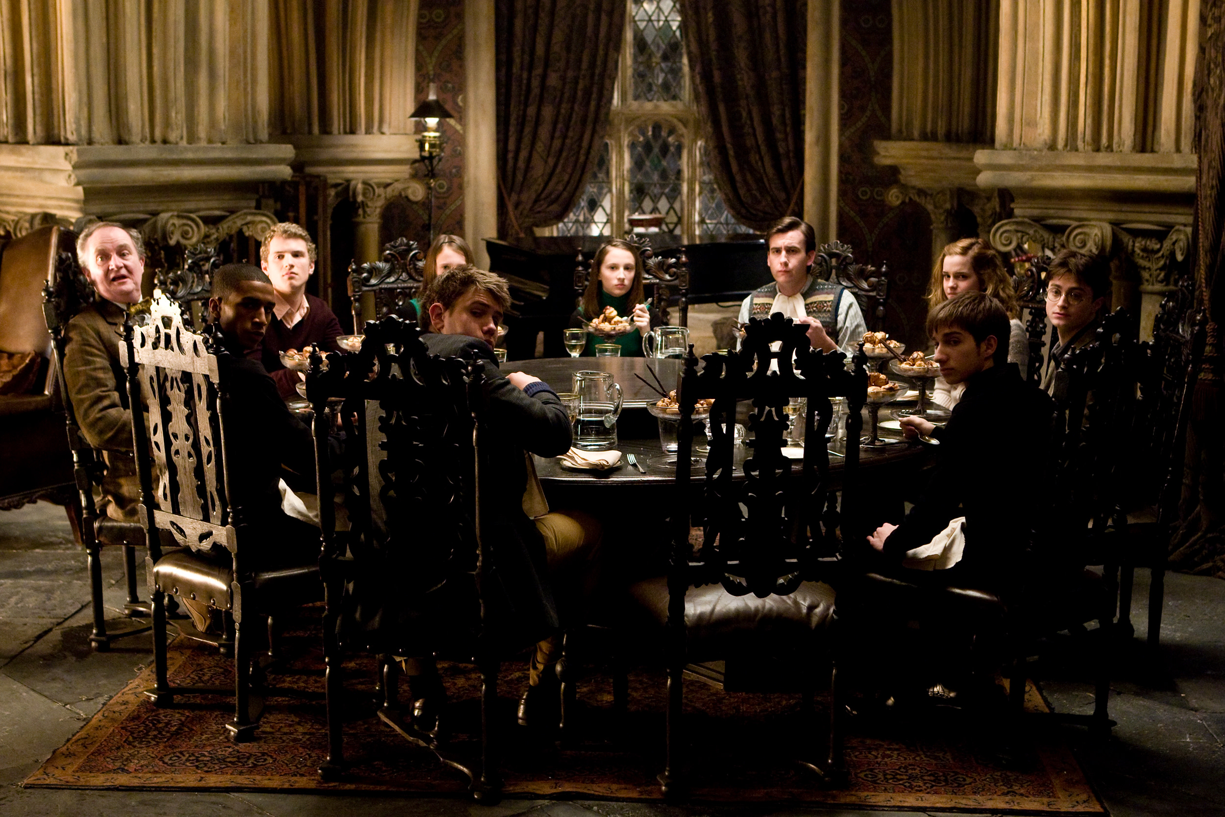 WB-HP-F6-half-blood-prince-slug-club-dinner