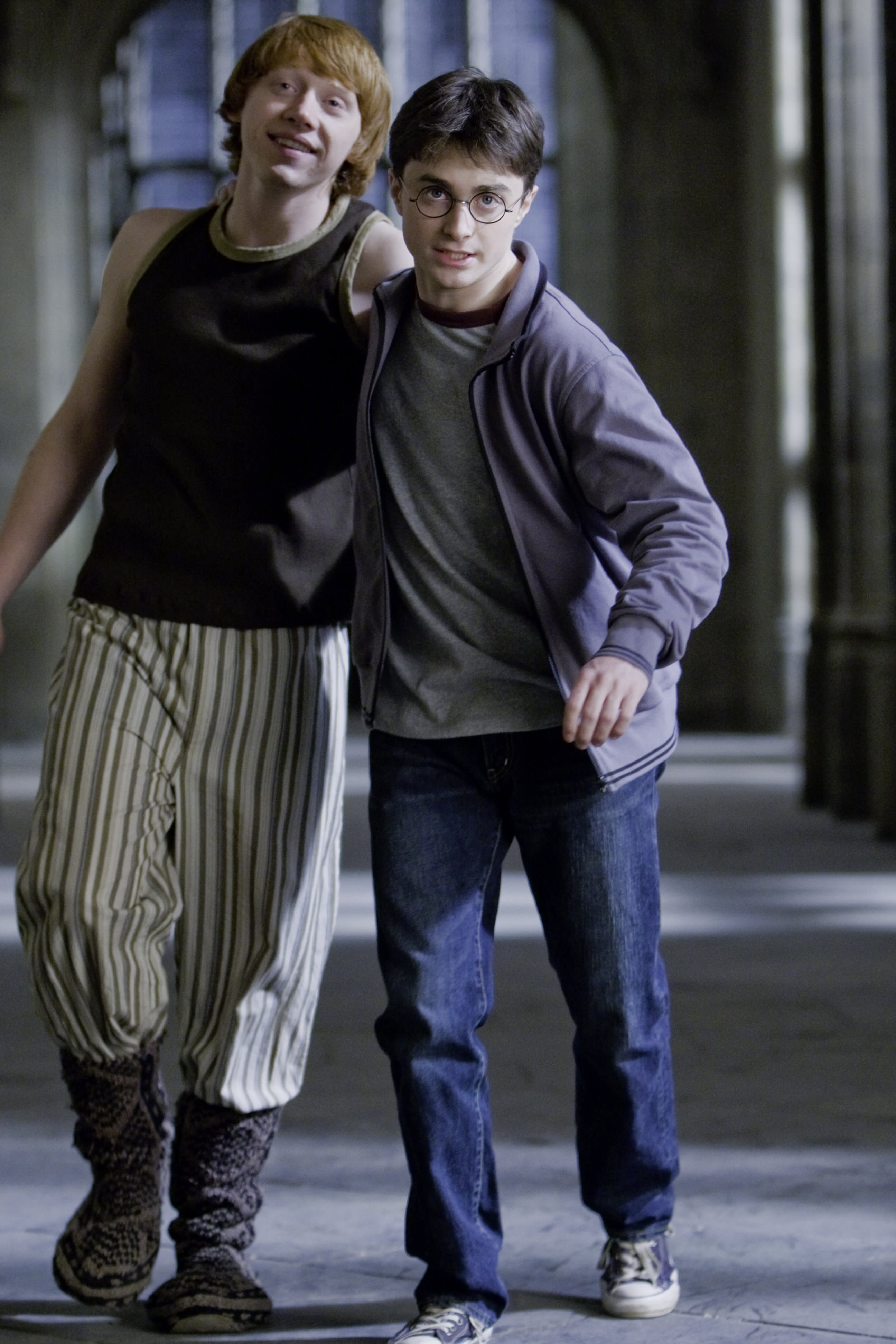 RonWeasley WB F6 RonWithHarryLovePotion Still 080615 Port