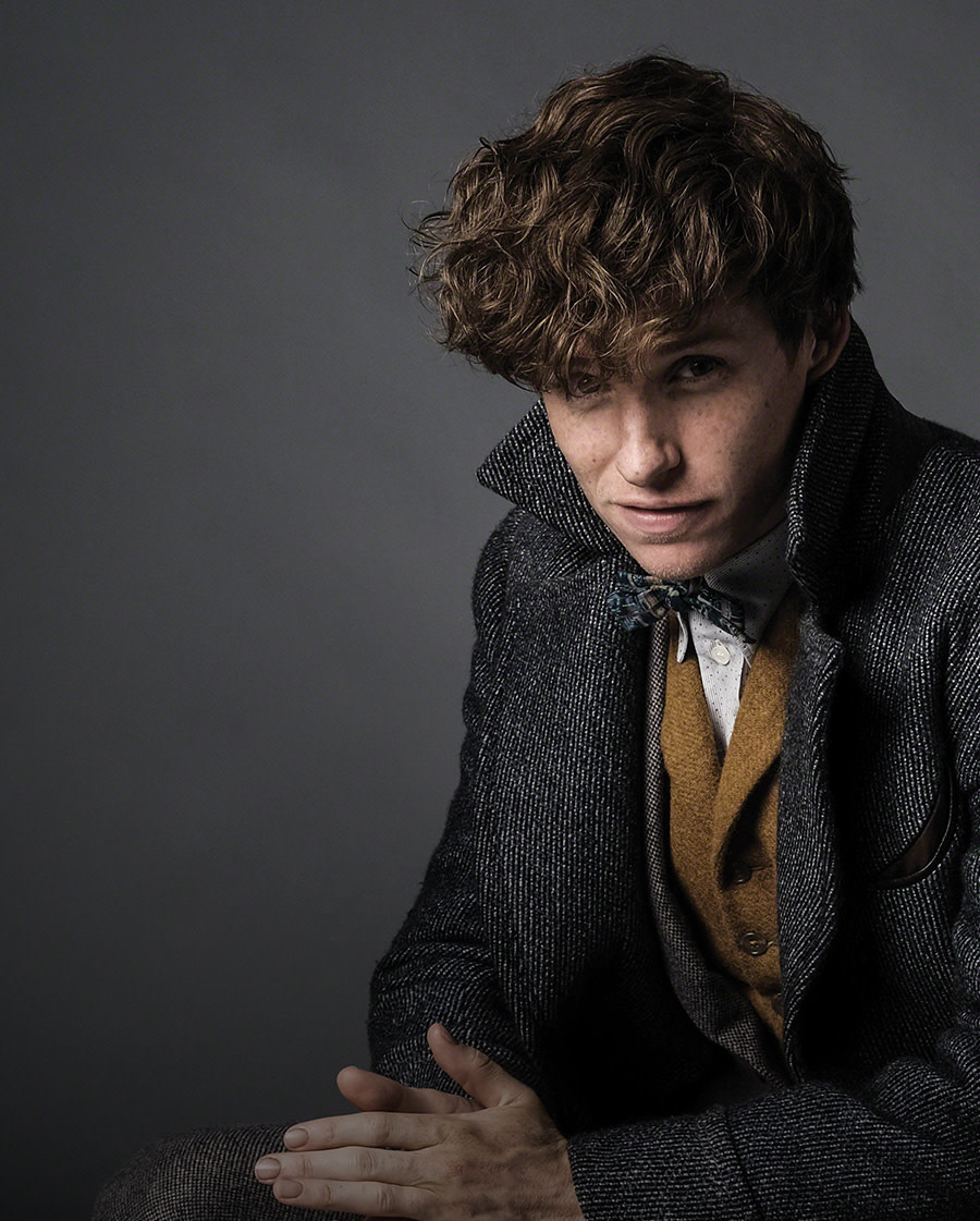 FOUNDATIONAL-DISCOVER-FEATURE-newt-scamander-different-kind-of-hero-004PHOTOBU18181_PHUP_FB2
