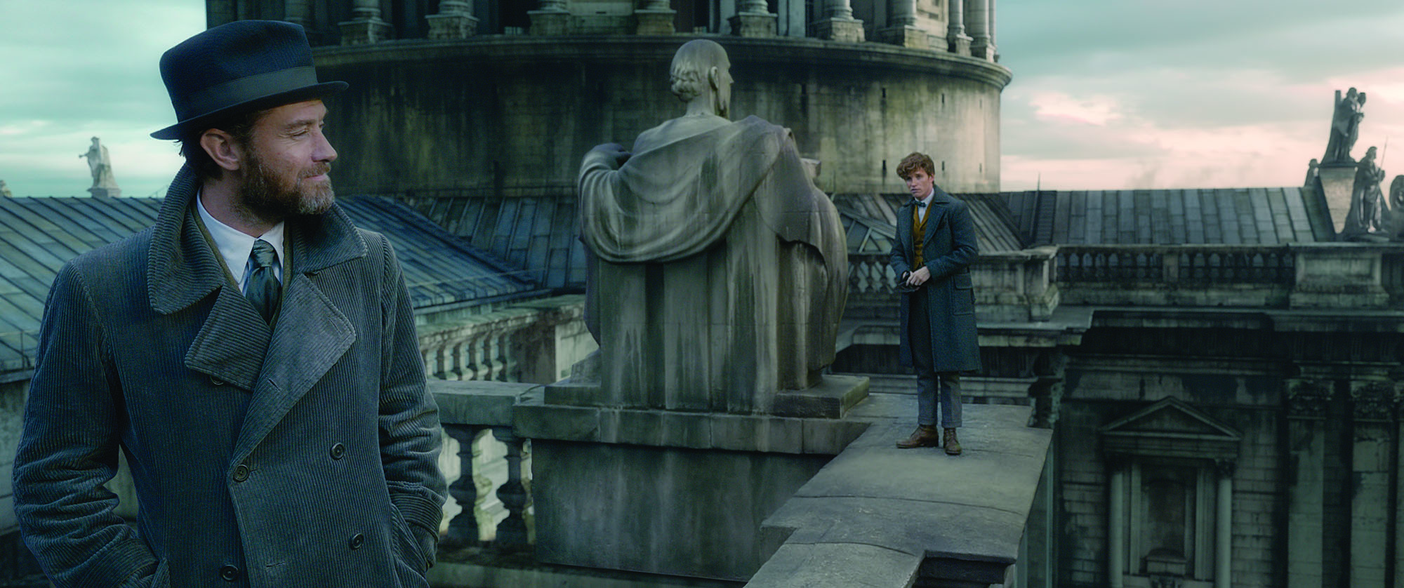 WB-FB2-Newt-Scamander-and-Dumbledore