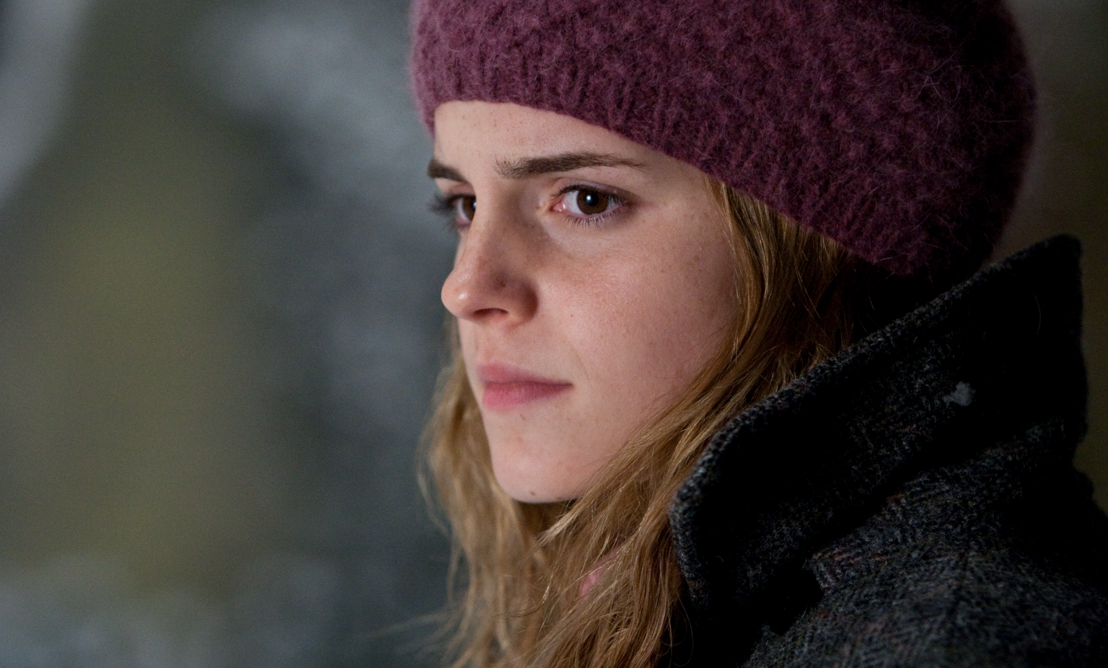 HP-F7-hermione-looking-sad-article-insert