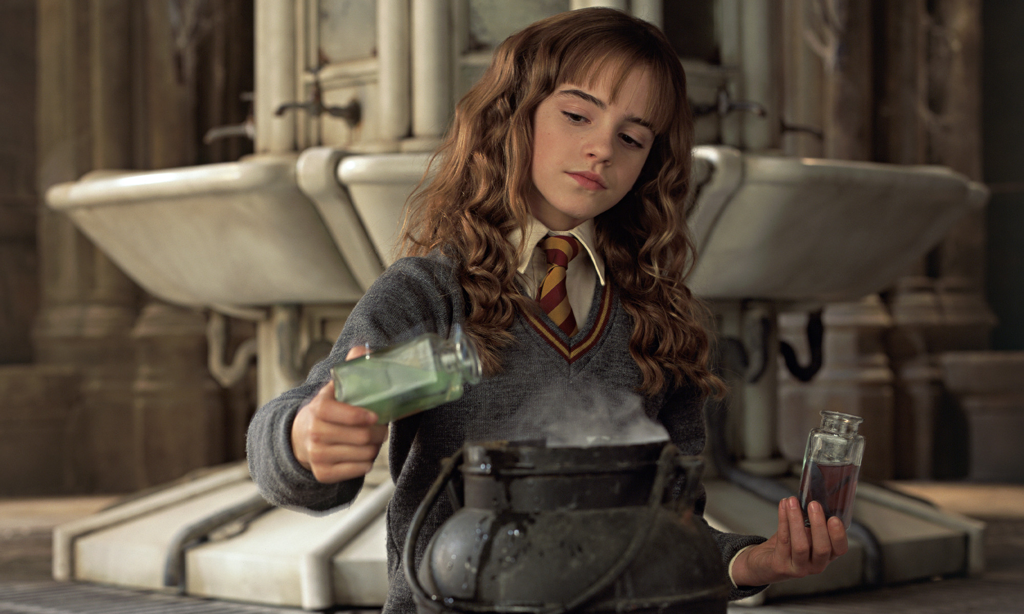 HP-F2-hermione-potions-web-header