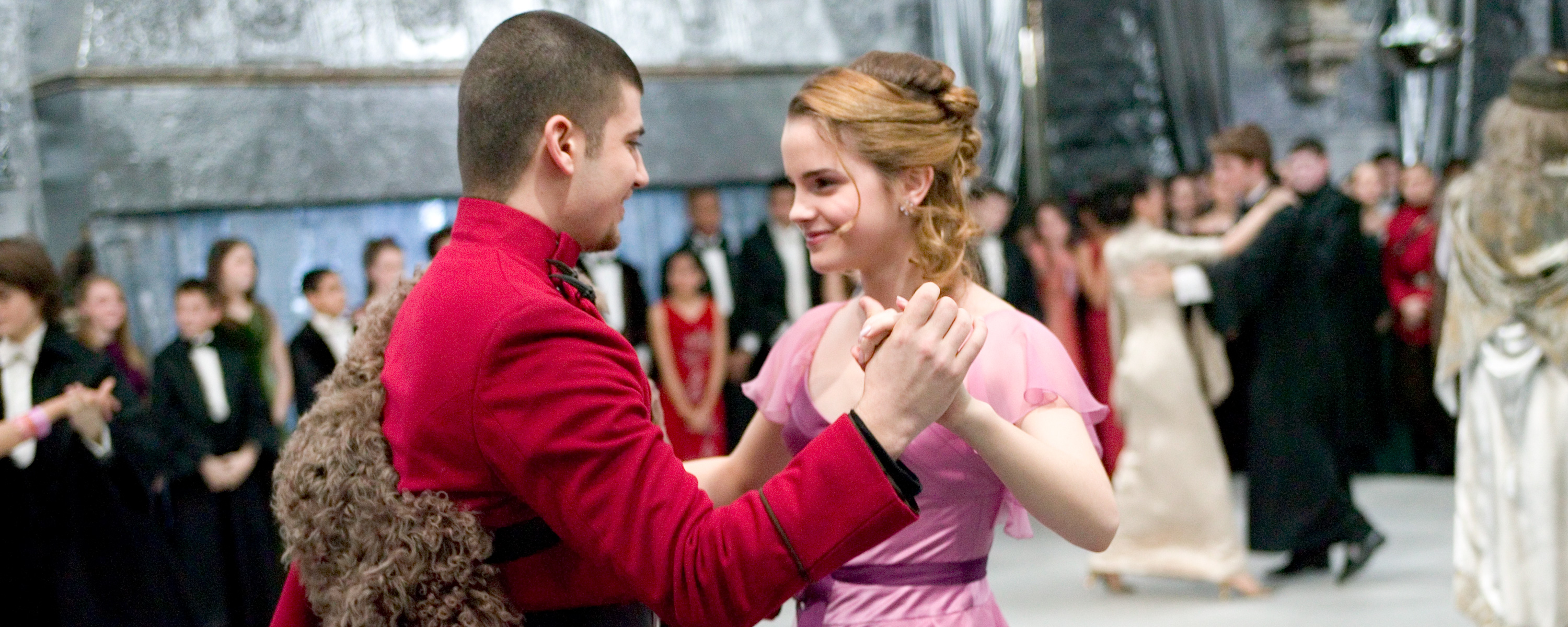 Things We Loved When International Magical Co Operation Came To Hogwarts Wizarding World Bonus chapter yule ball year 4. wizarding world