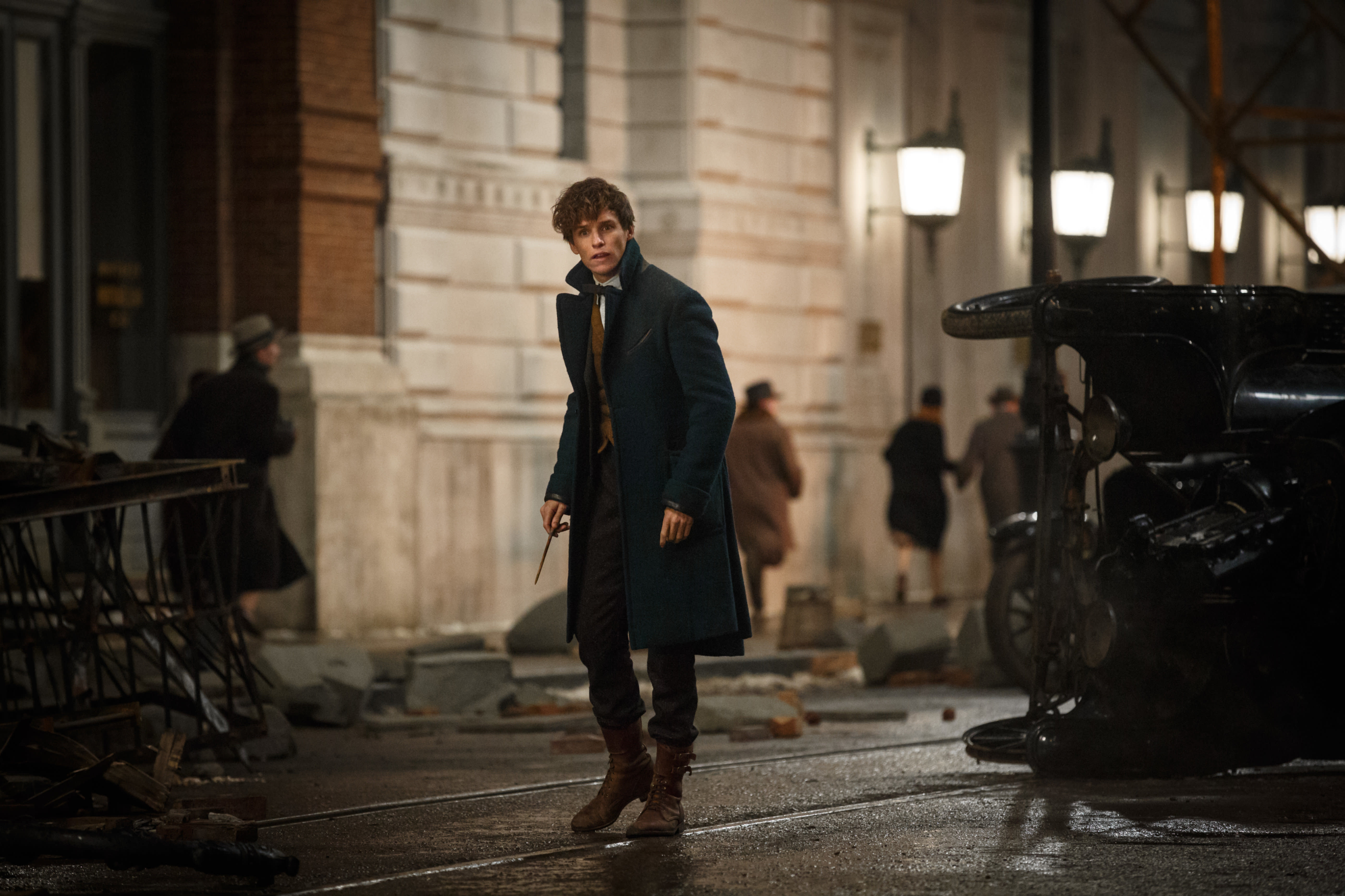 FB WB Newt Scamander Advances with his Wand