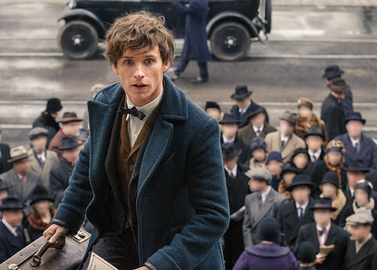 wb-fantastic-beasts-hero-newt-scamander-in-new-york