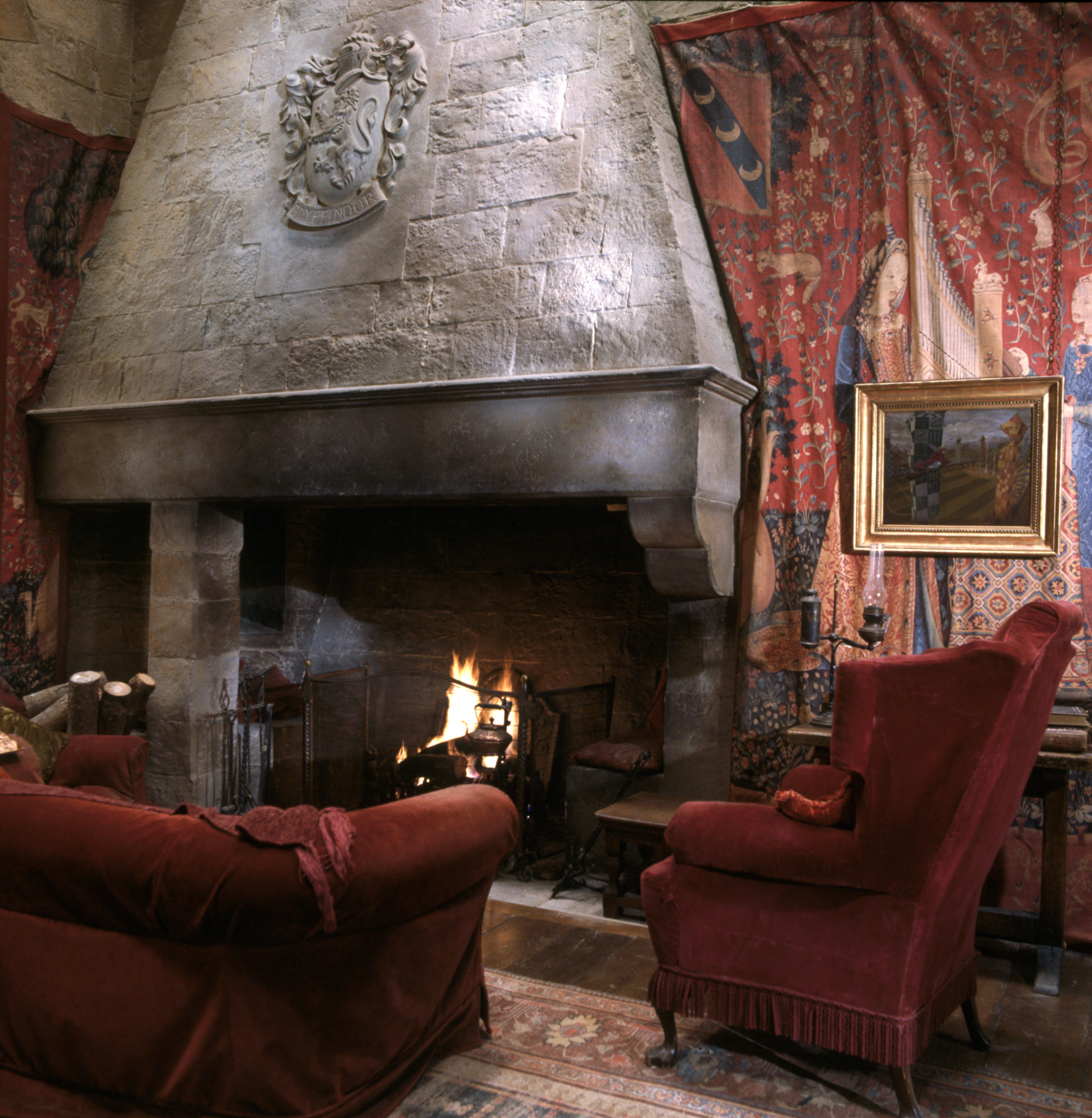 Behind The Scenes Creating The Gryffindor Common Room Wizarding World