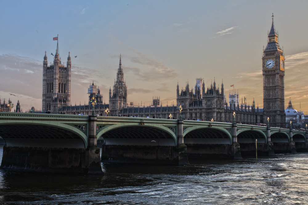 Big Ben bridge in London