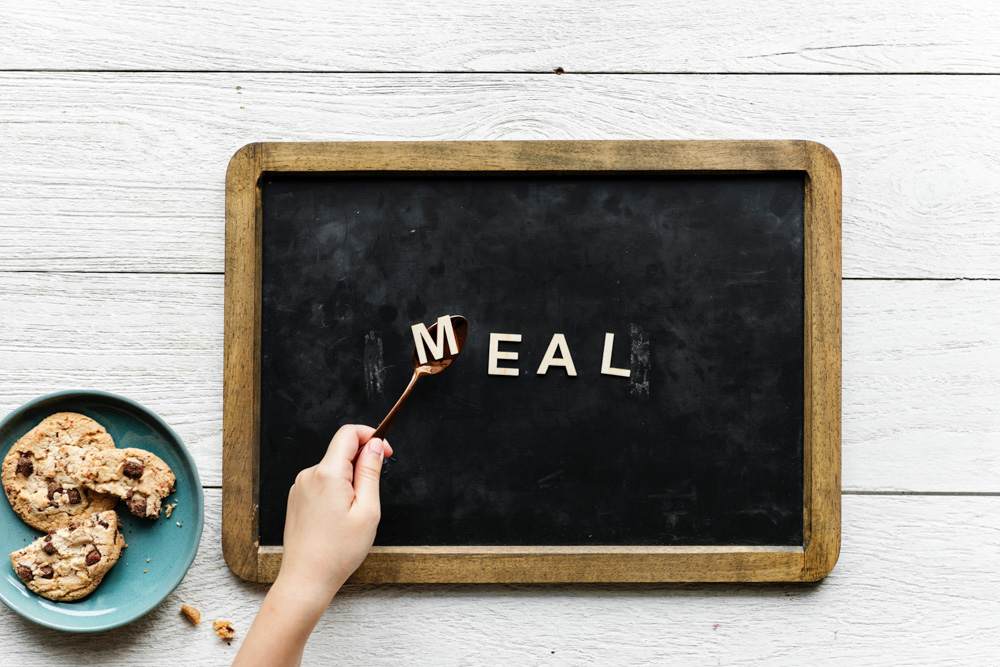 Small blackboard and cookies - Meal
