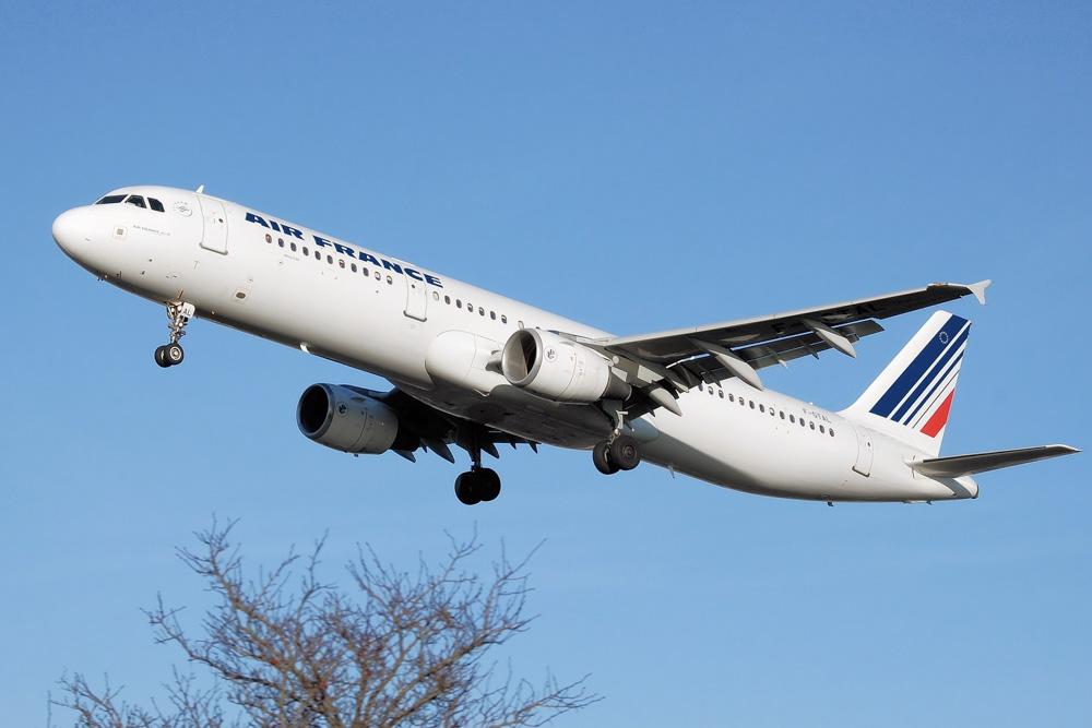 Air France plane flying