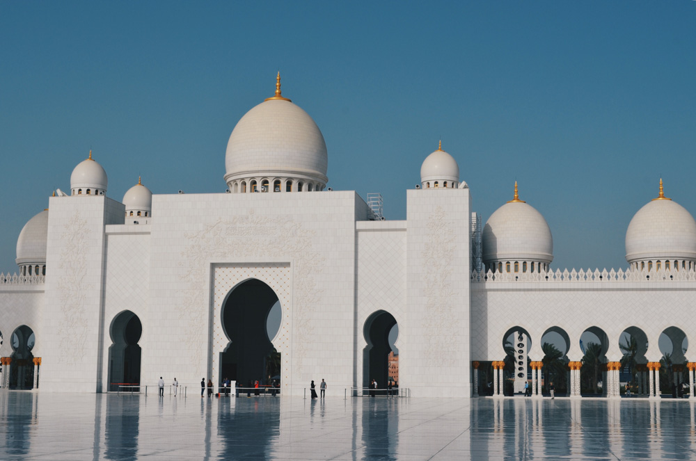 Sheikh Zayed Mosque in Abu Dhabi, United Arab Emirates - Best holiday destinations 2019