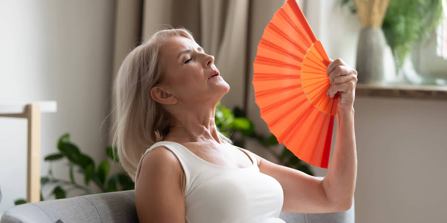 Hot flashes: symptoms, causes, and more - Everlywell: Home Health Testing  Made Easy - Results You Can Understand
