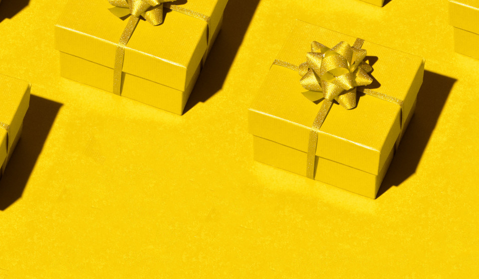 Here's Why Exchanging Gifts Feels So Good, According to Science