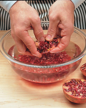Tips-How-to-Remove-Pomegranate-Seeds